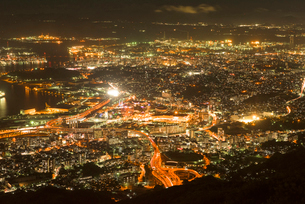 皿倉山から北九州の夜景の写真素材 [FYI03224139]