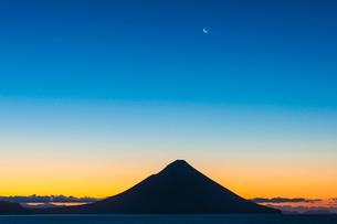 開門岳の朝焼けの写真素材 [FYI03224186]