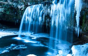 凍った鍋ヶ滝の写真素材 [FYI03224191]