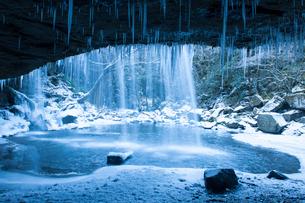 凍った鍋ヶ滝の写真素材 [FYI03224199]