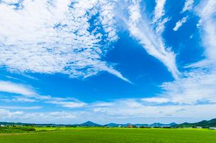 青空と糸島富士の写真素材 [FYI03224205]