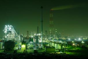 鹿嶋工業地帯の夜景を望むの写真素材 [FYI03224464]