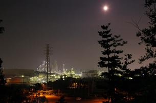 鹿嶋工業地帯の夜景を望むの写真素材 [FYI03224469]