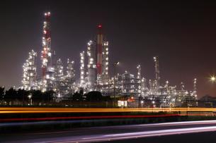 夜の鹿嶋石油プラント群の写真素材 [FYI03224482]