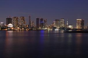 東京港の夜景の写真素材 [FYI03224552]