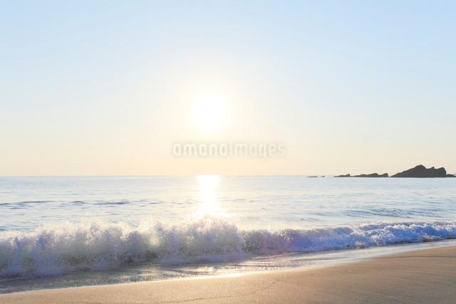 朝日と海の写真素材 [FYI03224678]
