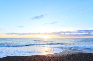 海と朝日の写真素材 [FYI03224679]