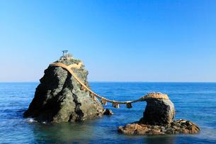伊勢二見浦,夫婦岩の写真素材 [FYI03224685]