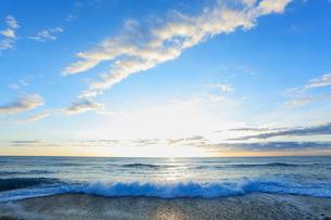 海と朝日の写真素材 [FYI03224710]