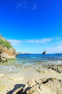 小笠原諸島父島・ジョンビーチに寄せる波の写真素材 [FYI03224739]