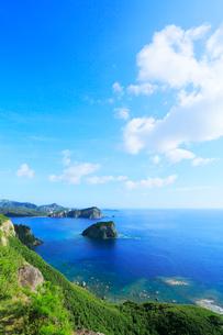 小笠原諸島父島・ウェザーステーションより烏帽子岩を望むの写真素材 [FYI03224804]