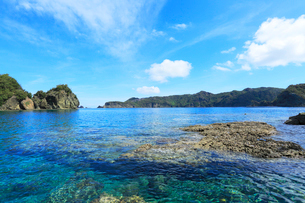 小笠原諸島父島・宮の浜から兄島を望むの写真素材 [FYI03224813]