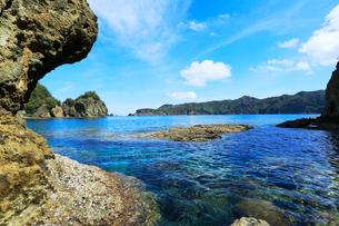 小笠原諸島父島・宮の浜から兄島を望むの写真素材 [FYI03224818]
