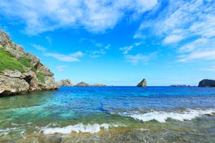 小笠原諸島父島・ジョンビーチに寄せる波の写真素材 [FYI03224822]