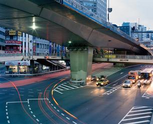 東京の風景 渋谷交差点の写真素材 [FYI03224963]