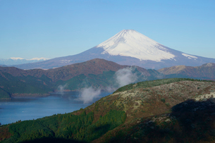 富士山と箱根・芦ノ湖の写真素材 [FYI03225406]