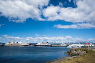 世界最南端の町ウシュアイアの港の写真素材 [FYI03225929]
