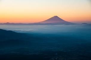 富士山の朝日の写真素材 [FYI03225942]