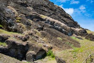 モアイの石切り場 ラノララクの写真素材 [FYI03225974]