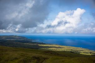 イースター島の最高峰テレバカ山の展望の写真素材 [FYI03225994]