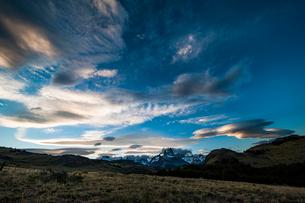 パタゴニアの名峰 フィッツロイの夕日の写真素材 [FYI03226195]