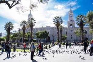 アレキパの中央広場とカテドラルの写真素材 [FYI03226204]