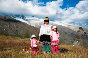 アンデス山脈の先住民ケチュア族の写真素材 [FYI03226234]