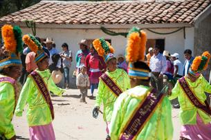 アンデス山脈ケチュア族の祭のカーニバルの写真素材 [FYI03226238]