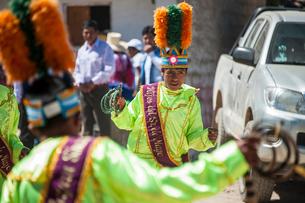 アンデス山脈ケチュア族の祭のカーニバルの写真素材 [FYI03226250]