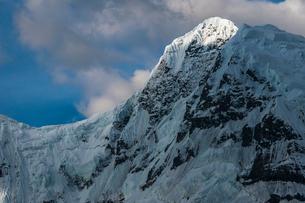 ペルー ブランカ山群のワンツァン峰の写真素材 [FYI03226261]