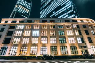 東京 千代田区丸の内 JPタワーの夜景の写真素材 [FYI03226608]