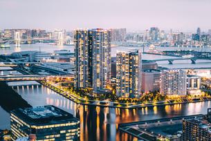 東京 江東区豊洲の夜景の写真素材 [FYI03226614]
