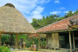 沖縄 琉球村の写真素材 [FYI03226760]