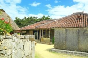 沖縄 琉球村の写真素材 [FYI03226773]