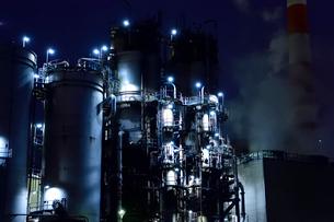 工場夜景 川崎天然ガス発電所の写真素材 [FYI03226927]