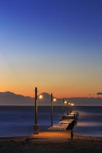 原崗海岸より富士山を望むの写真素材 [FYI03226953]