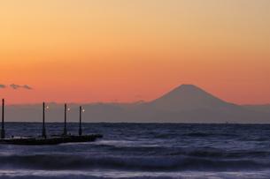 原崗海岸より富士山を望むの写真素材 [FYI03227012]