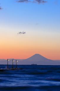 原崗海岸より富士山を望むの写真素材 [FYI03227020]