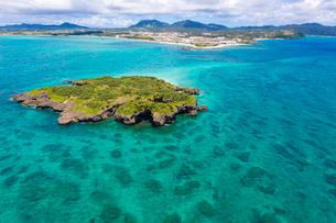 沖縄 辺野古崎と平島の写真素材 [FYI03227993]