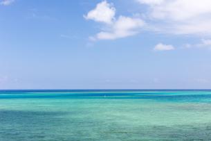 沖縄県のビーチの写真素材 [FYI03228151]