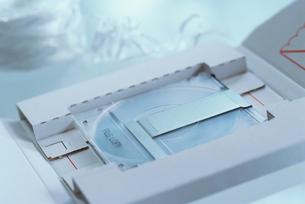 白い箱に入ったMOディスクの写真素材 [FYI03228859]