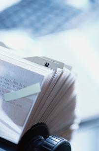 付箋のついたカードフォルダの写真素材 [FYI03228883]