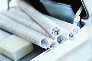 鞄の中に丸めた紙とMDの写真素材 [FYI03228885]