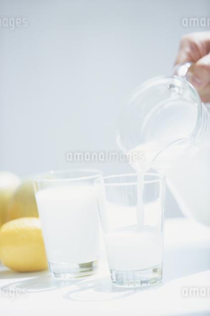 ミルクの写真素材 [FYI03230179]