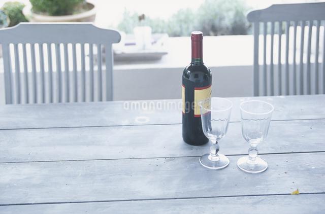 ワインとワイングラスの写真素材 [FYI03230242]