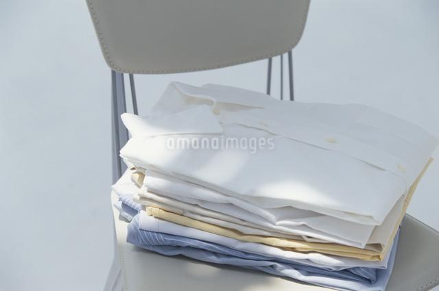 重ねたシャツの写真素材 [FYI03230265]