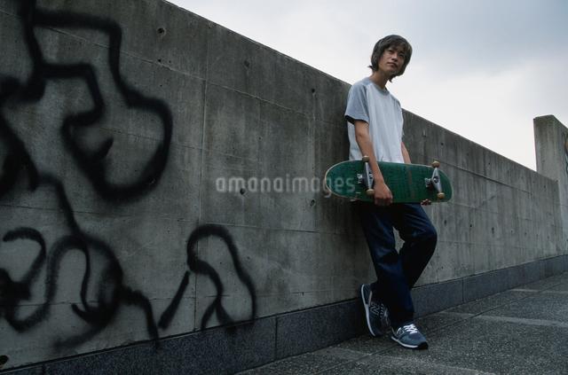 日本人男性の写真素材 [FYI03230312]