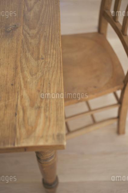 テーブルとイスの写真素材 [FYI03230976]
