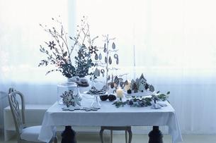 クリスマスのテーブルセッティングの写真素材 [FYI03233210]
