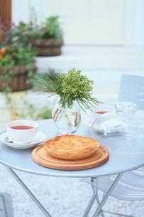 紅茶とパイの写真素材 [FYI03233916]